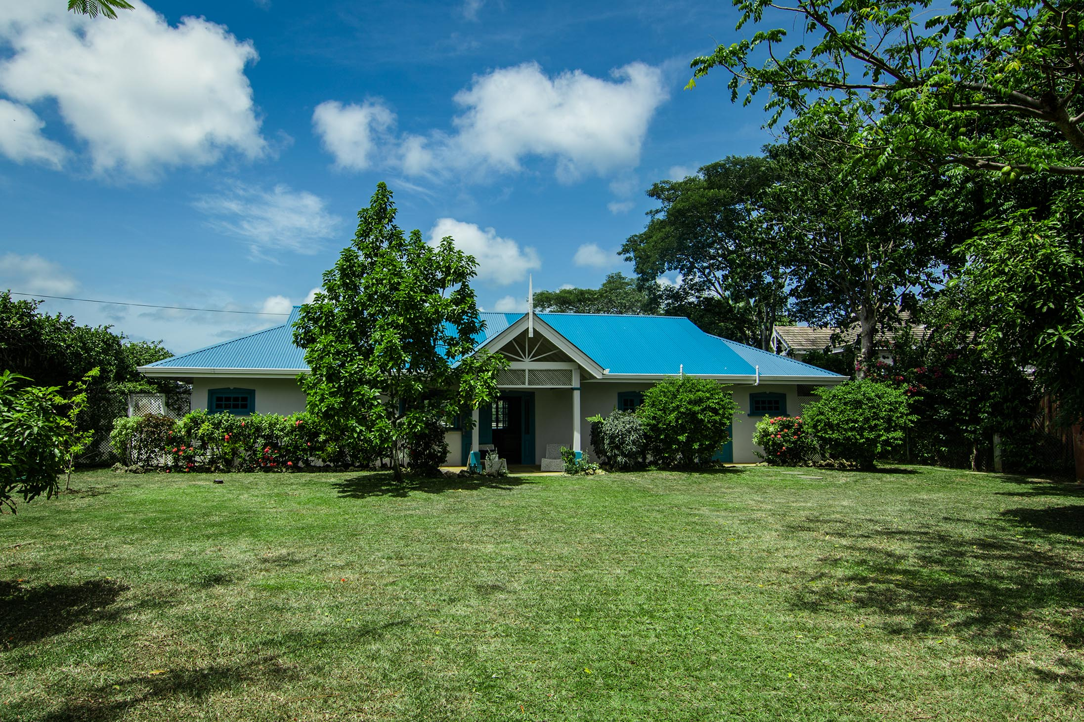 Licorish Villa Tobago Frontyard